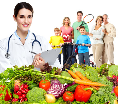 Doctor nutritionist and family.